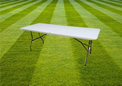 5 Folding Plastic Tables 1337